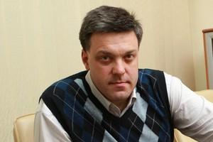 """Тягнибок заявляет, что """"Беркут"""" пытался разогнать протестующих, оставшихся на ночь возле здания ЦИК"""