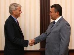 У Вашингтоні закликають Януковича згадати про обов'язок президента