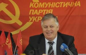 Коммунист Симоненко джинсонул круче Катеринчука и превзошел даже Королевскую