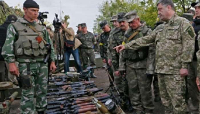 Порошенко продавав зброю бойовикам і залишився винен гроші, – Безлєр (ВІДЕО)