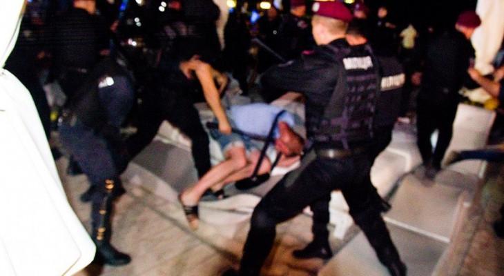 Как вела себя украинская милиция когда их не видела пресса на концерте Ани Лорак (ВИДЕО)