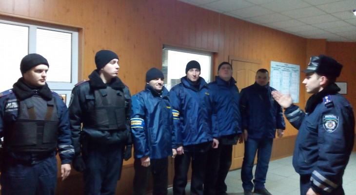 Новомосковські міліціонери патрулюють місто спільно з громадськістю (ФОТО)