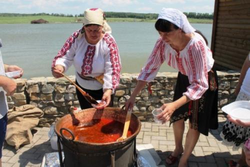 Новомосковськ відсвяткував День Українського борщу