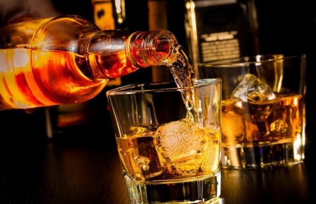 С Днепропетровщины по регионам растекалось поддельное виски (ВИДЕО)