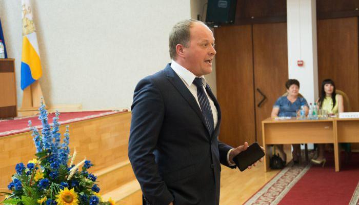 Депутаты работают в соцсетях, а не на комиссиях,– Барна выступил против Фейсбук