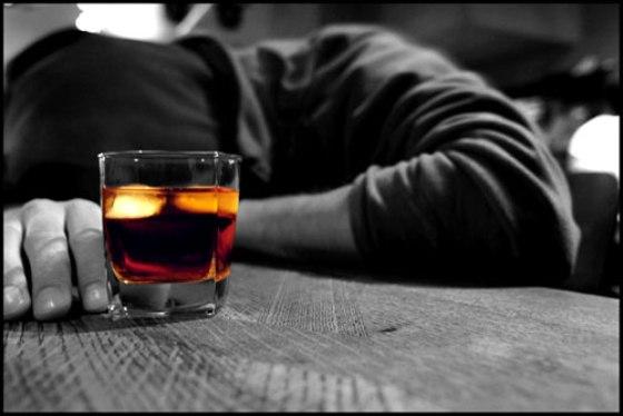 На Днепропетровщине появилась новая жертва смертельного алкоголя