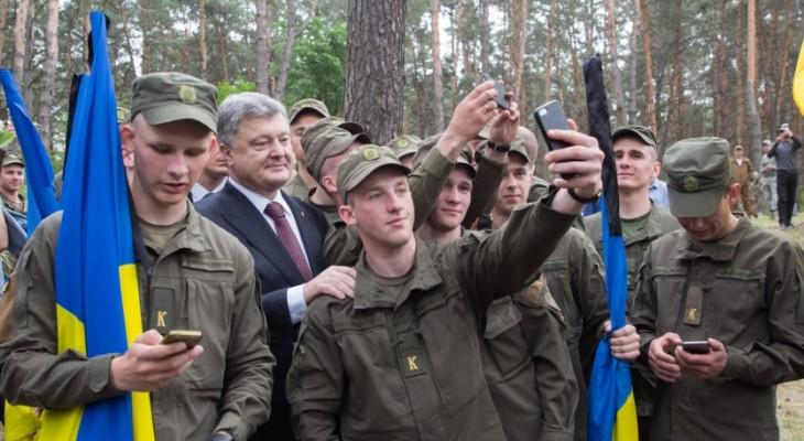 Президента Петра Алексеевича Порошенко засвистали с криками: «Брехло, позор!» (ВИДЕО)