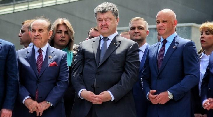Тайна мятого пиджака президента Порошенко