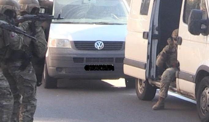 Арестованных нет: в Терновке прошли повальные обыски
