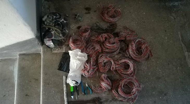 Новомосковські поліцейські затримали крадія кабелю зв'язку