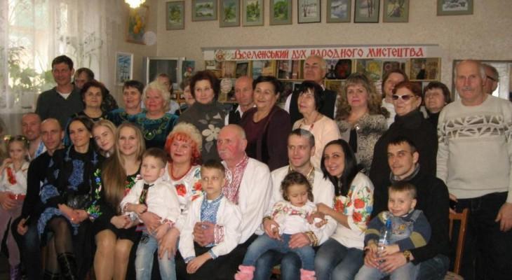 Родина Бадерко завітала до Новомосковської бібліотеки
