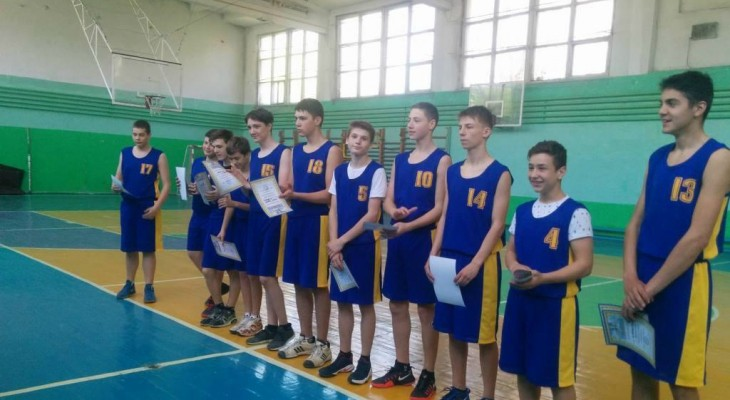 В  Новомосковске прошёл чемпионат области по баскетболу