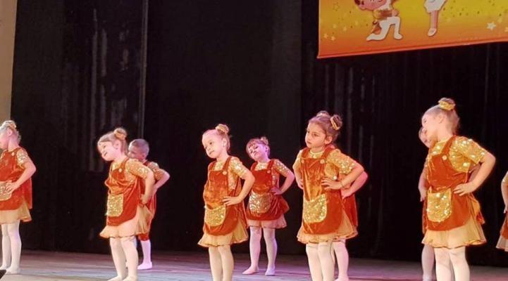 Детки с Новомосковска успешно выступили на танцевальном фестивале «Солнечный зайчик»