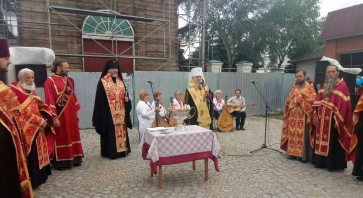 Новомосковский Свято-Троицкий собор отпраздновал своё 240-летие