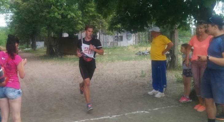 В Новомосковске прошли соревнования по триатлону