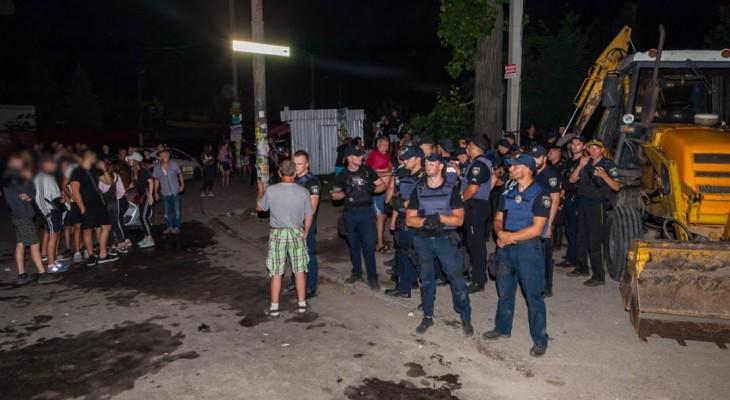 Новомосковские депутаты устроили бойню с полицией в Днепре