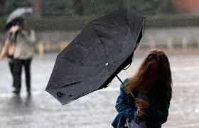 В Новомосковске объявили штормовое предупреждение: ожидаются сильные порывы ветра