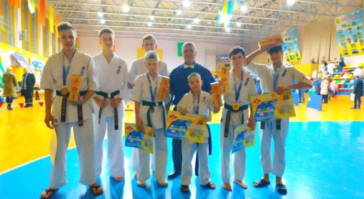 Новомосковские каратисты заняли призовые места на открытом кубке Украины по киокушинкайкан карате