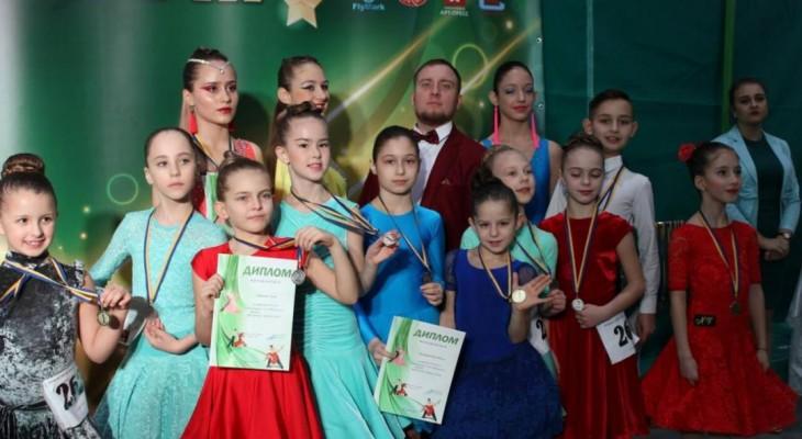 Новомосковці здобули перемогу на Всеукраїнських змаганнях зі спортивних танців
