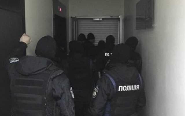 ГБР проводит массовые обыски в НАБУ