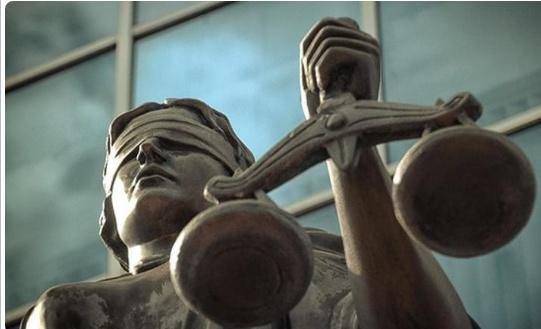 Днепровский суд осудил госрегистратора к двум годам тюрьмы