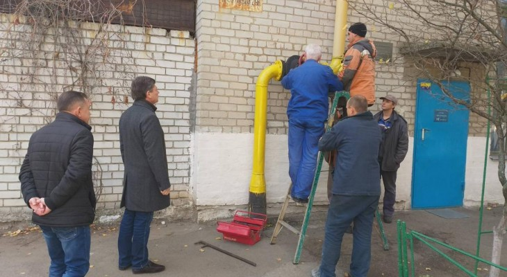 Мэр города Новомосковска Литвищенко провел инспектирование городских котелен перед запуском.