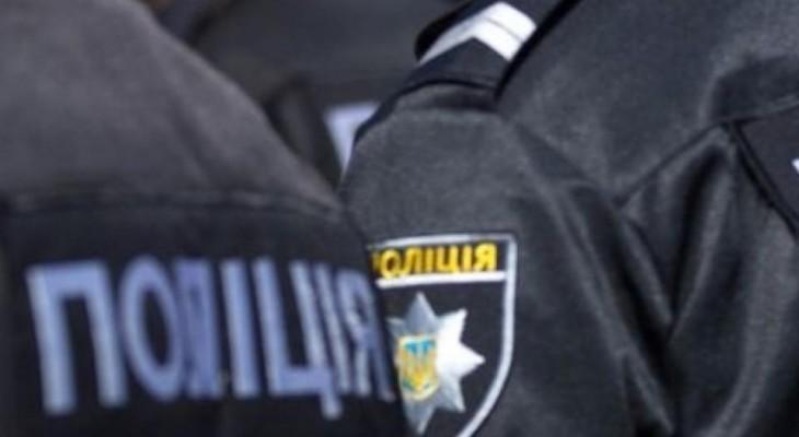 Полицейские  Мариуполя нетрезвому мужчине сломала ногу (содержит нецензурную лексику) ВИДЕО