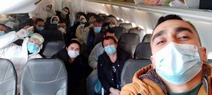 Поки влада з'ясовує, хто винен в приниженні країни, яке сталося в Нових Санжарах, кількість випадків зараження коронавірусом продовжує зростати по всьому світу