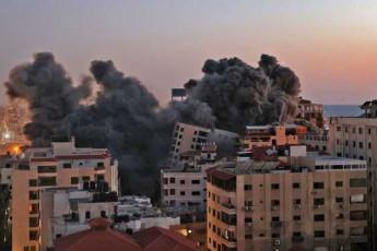 Вот так выглядит небо над Израилем прямо сейчас.